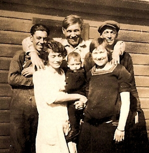 Knapp Family wisconsin c1924.